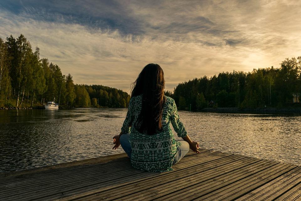 posizione del loto meditazione